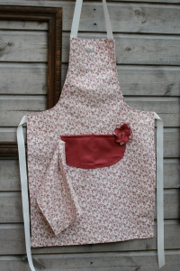 apron with cloth