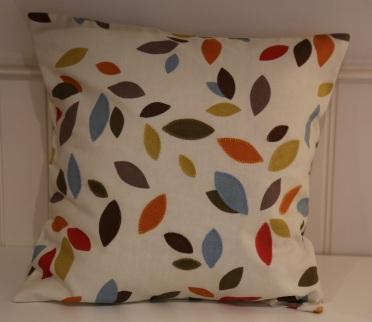 applique leaf cushion