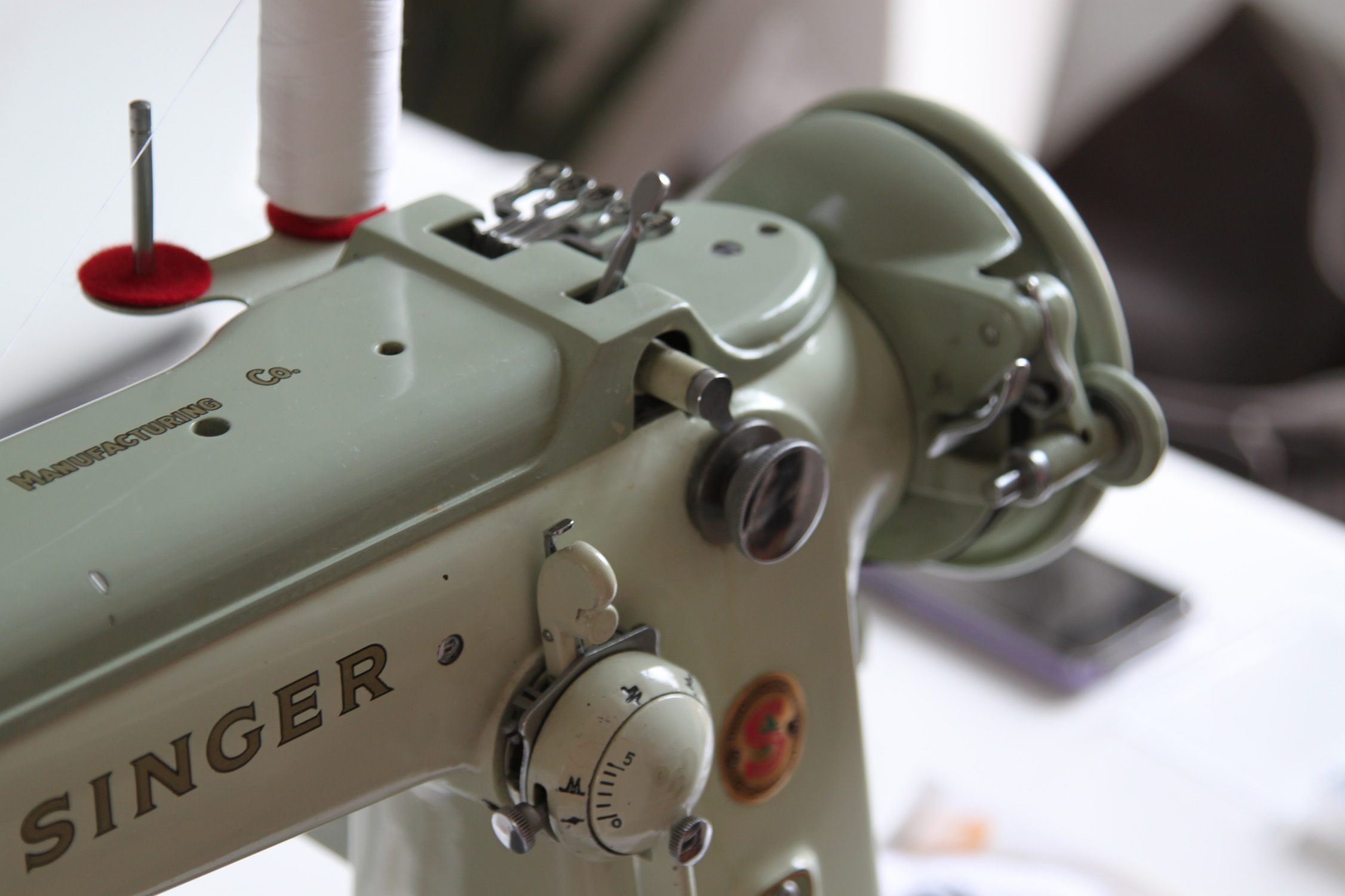 Singer 320k Sewing Machine Tinyinc 401 Threading Diagram Stitch Selectors Which Explain Why It Was Called The Typewriter