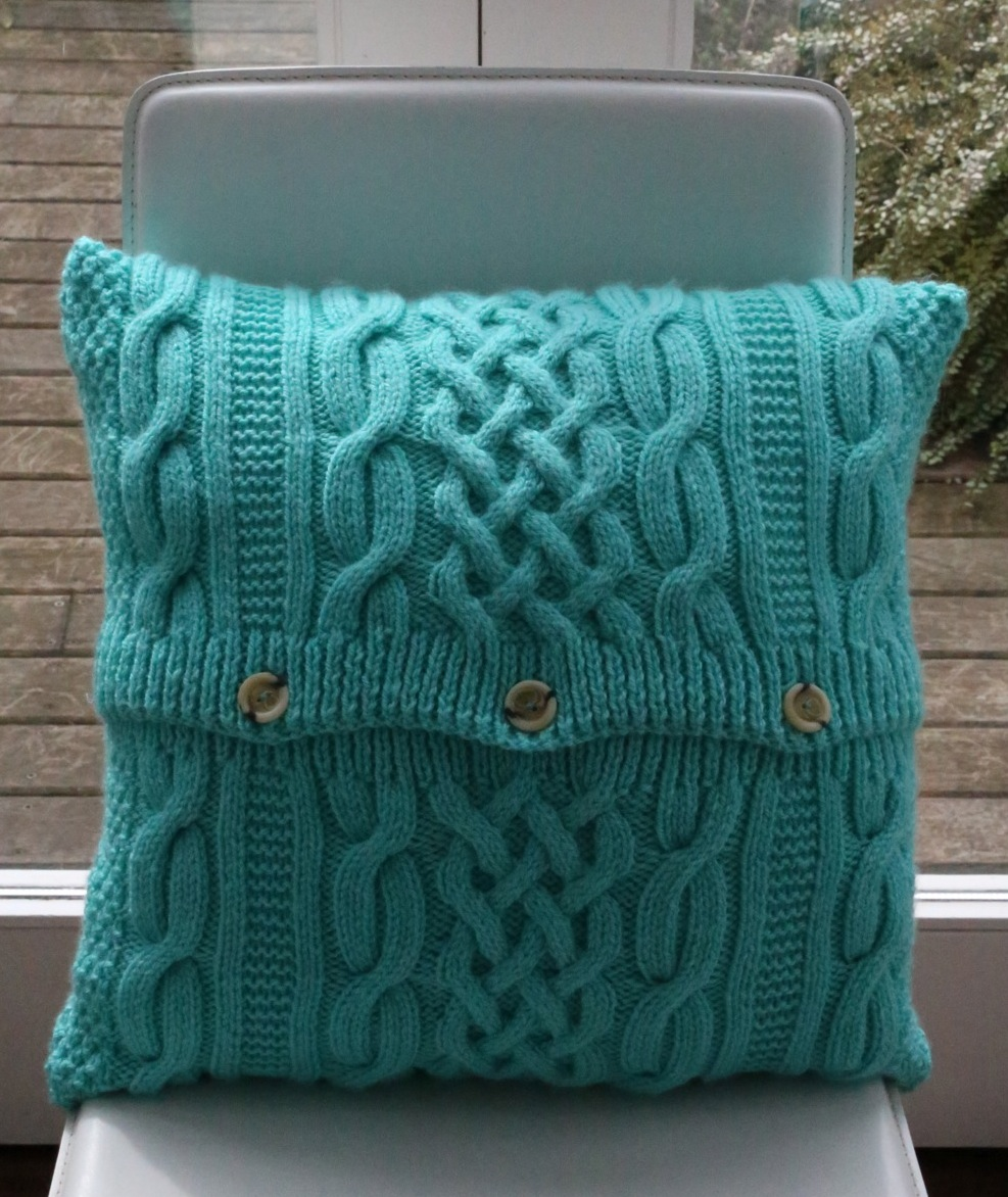 Free Knitting Patterns For Cushions In Cable Knit : roll up, roll up   tinyinc give away tinyinc