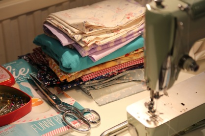 farbrics ready, scissors ready...
